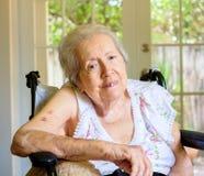 starsza kobieta ogniska oko zdjęcie stock