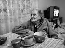 starsza osamotniona kobieta obraz stock