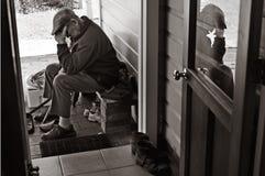 Starsza osoba mężczyzna czuje cierpiącego fotografia royalty free