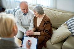 Starsza para w terapii zdjęcia royalty free