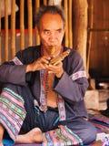 Starsza Tajlandzka mężczyzna spełniania muzyka Obraz Stock