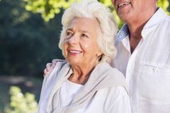 starsza uśmiechnięta kobieta Fotografia Royalty Free