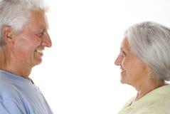 Starsze osoby dobierają się wpólnie zdjęcie royalty free