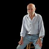 starsze osoby słuchają mężczyzna siedzą zamyślenie Obrazy Royalty Free