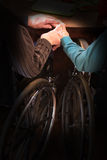 Starszej osoby pary miłości chwyta ręki Obraz Stock