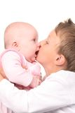 starszy brat uściski pocałunek jest Zdjęcie Stock