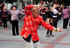 Pengzhou, Chiny: Starego Człowieka taniec Fotografia Royalty Free