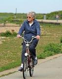 Starszy kobieta cyklista Fotografia Royalty Free