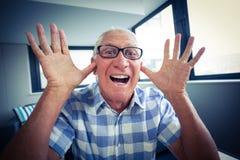 Starszy mężczyzna robi śmiesznej twarzy Obraz Royalty Free