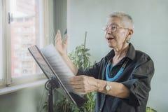 Starszy opera piosenkarz zdjęcie royalty free