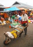 STARSZY pracownik W INDONEZJA zdjęcie royalty free