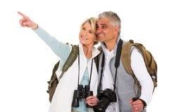 Starszy turysty wskazywać Obrazy Royalty Free