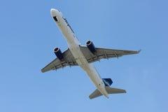 Start av Boeing-757 Royaltyfria Bilder