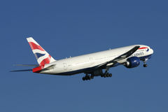 Start British- Airwaysboeing 777 Lizenzfreie Stockfotos