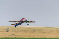 Start för modellflygplan Arkivbilder