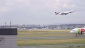 Start Lufthansas Boeing 747 stock footage