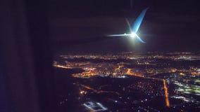 Start samolotu lota samolotowy poj?cie p?aski zdejmowa? przy noc? przy lotniskowym paskiem P?aski l?dowanie Widok od Burj Khalifa zdjęcie wideo