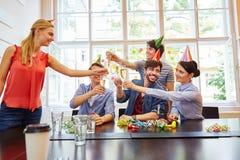 Start-up fira födelsedag arkivbilder