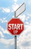 Start-up tecken med tomt utrymme Arkivbild