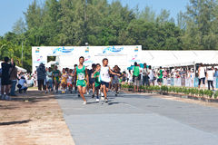 starta för barnmaraton Royaltyfria Foton