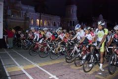 starta för punkt för 2011 cirkulering cyklistmalaysia ocbc arkivbild