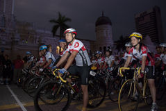 starta för punkt för 2011 cirkulering cyklistmalaysia ocbc arkivfoto