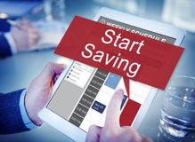 Starta sparande ekonomi som packar ihop finansiellt begrepp Arkivfoton