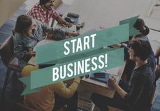 Starta stora smarta idéer för den lilla funderaren för att inspirera visionbegrepp royaltyfri bild