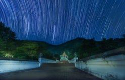 Startail largo de la exposición en el templo en noche Fotografía de archivo libre de regalías
