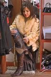 startar den nya försökande kvinnan Royaltyfria Bilder