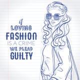 Startar iklädd jeans för vektorhipsterflickan, tröjan, ankel med påsen över hennes skuldra, skissar på en anteckningsboksida Royaltyfri Foto