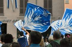 Starten av tryffelmässan i album (Cuneo), har rymts för mer än 50 år, åsnaloppet Fotografering för Bildbyråer