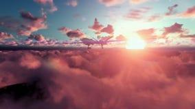 Startende Raketen des Militärbrummens, über Wolken bei Sonnenuntergang stock footage