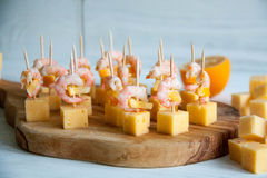 Starter idea: shrimps with cheese and lemon Stock Photography