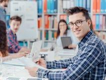 Starter, studenter och ny affär arkivfoton