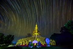 Startrail över 500 pagoder Arkivfoto