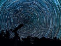 Startrails de nossa galáxia fotos de stock royalty free