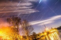 Startrails eins Stockfoto