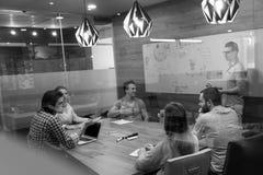 Startup бизнесмены команды на встрече Стоковая Фотография