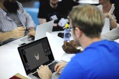 Startup бизнесмены работая на компьтер-книжке Стоковые Фотографии RF