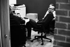 Startup affär Team Brainstorming på möteseminarium Arkivfoton