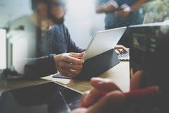 StartUp programmera lag Märkes- funktionsduglig digital tabell för Website Royaltyfri Bild