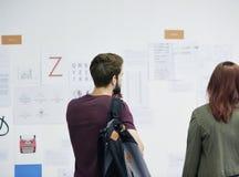Startup seminarium för presentation för affärsfolk och strategibräde Royaltyfria Foton