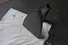 Stary żelazo odprasowywa tkaninę zdjęcie stock