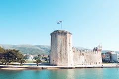 Stary średniowieczny forteca Trogir Kamerlengo kasztel zdjęcia royalty free