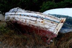 Stary łódkowaty czekanie dla lepszy czasu fotografia royalty free