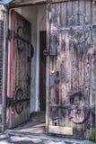 Stary średniowieczny dwoisty drewniany drzwi obrazy stock