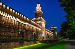 Stary średniowieczny Sforza kasztel Castello Sforzesco i wierza, Mediolan zdjęcia stock