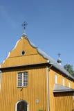 Stary żółty drewniany kościół zdjęcia royalty free