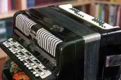 Stary akordeon zamknięty w górę fotografia royalty free